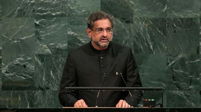 افغانستان کی جنگ اپنی سرزمین پر نہیں لاسکتے، وزیر اعظم