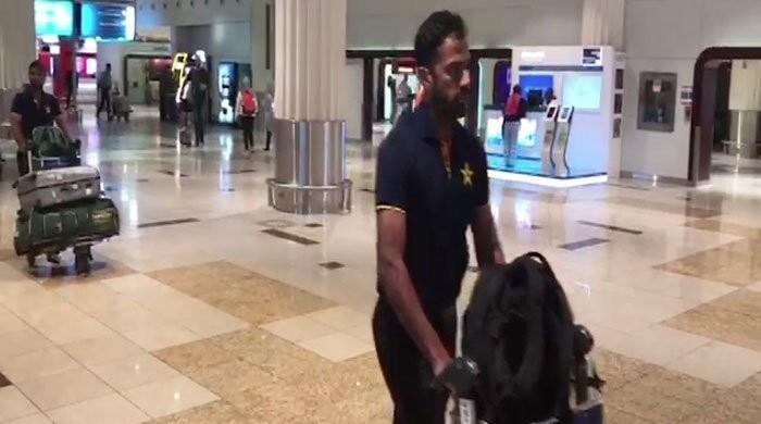 سری لنکا کیخلاف سیریز: قومی ٹیم دبئی پہنچ گئی