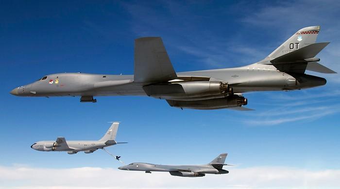 شمالی کوریا کی سرحد کے قریب امریکی جنگی طیاروں کی پروازیں