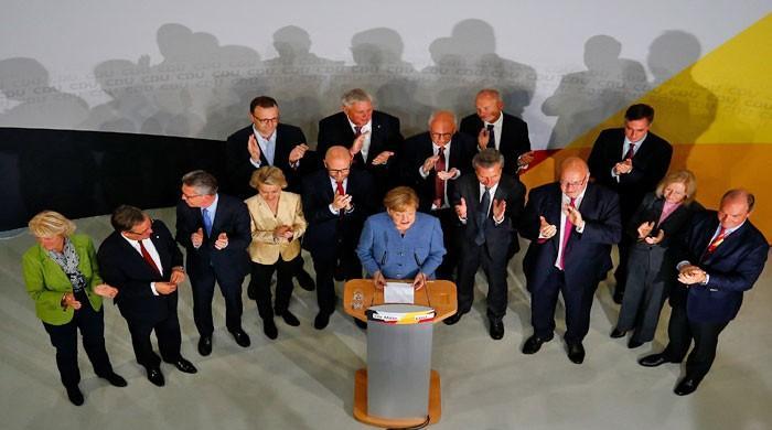جرمن پارلیمنٹ کی 631 نشستوں پر پولنگ کا عمل مکمل
