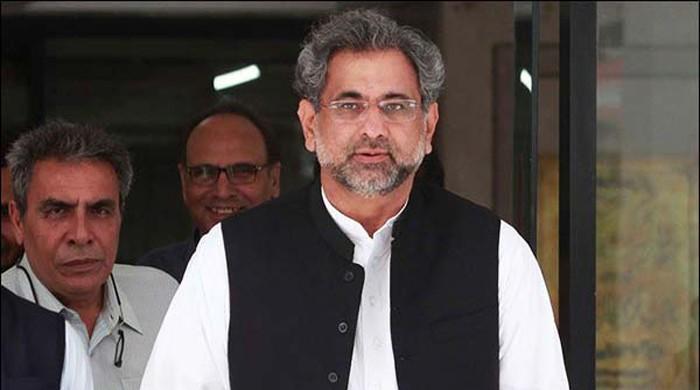 وزیراعظم ، وزیر خزانہ کے ہمراہ لندن سے اسلام آباد پہنچ گئے