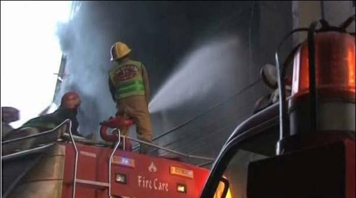کراچی: فیکٹری میں لگی آگ پر 11 گھنٹے بعد قابو پالیا گیا