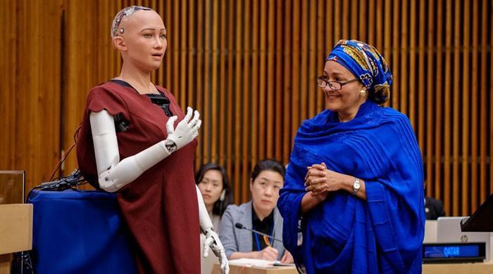 اقوام متحدہ کے اجلاس میں مصنوعی ذہانت کے حامل روبوٹ کی شرکت