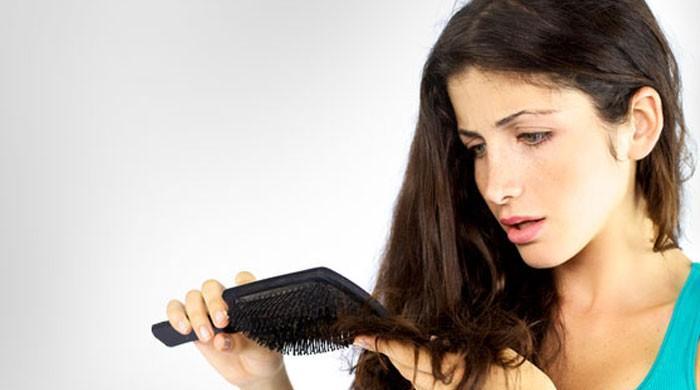 موسم خزاں میں بالوں کی خوبصورتی کو برقرار رکھنے کے چند مفید نسخے