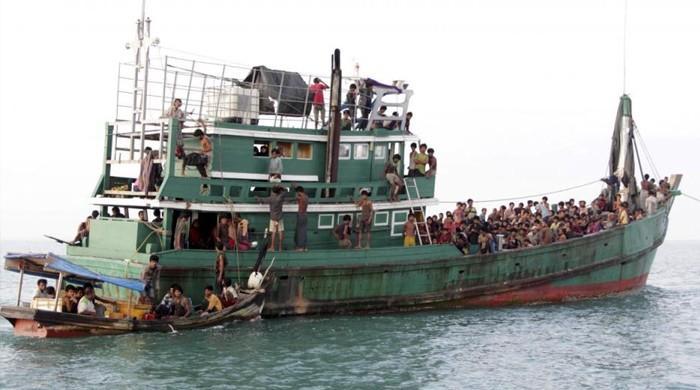 بنگلادیش نقل مکانی کرنیوالے روہنگیا مسلمانوں کی کشتی الٹنے سے 5 افراد جاں بحق