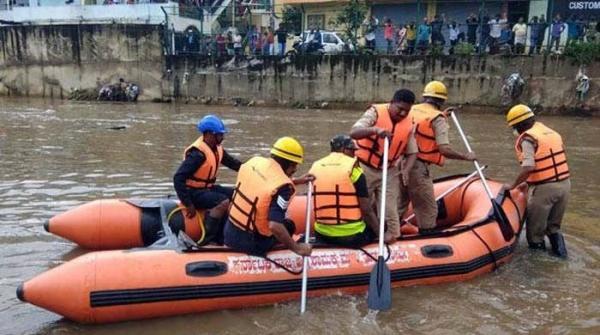 بنگلورو میں بارشوں کا 115 سالہ ریکارڈ ٹوٹ گیا، 19 افراد ہلاک