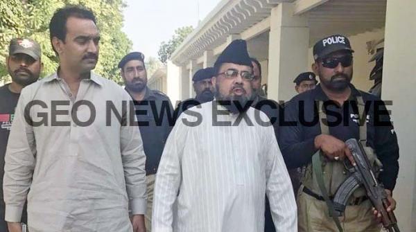 قندیل بلوچ قتل کیس: مفتی عبدالقوی 4 روزہ جسمانی ریمانڈ پر پولیس کے حوالے