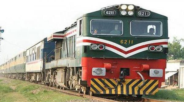ایک سال میں ریلوے کے 1 ارب روپے کے ریکارڈ آن لائن ٹکٹ فروخت