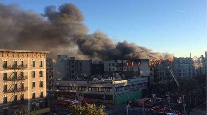امریکا: نیویارک کے اپارٹمنٹ میں آگ لگ گئی