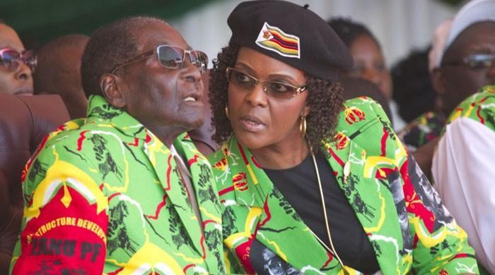 زمبابوے کے عوام فوج سے خوش صدر سے ناراض کیوں ہیں؟