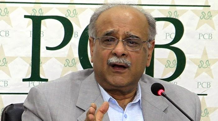 کراچی آنے کے لیے بہت کم غیر ملکی کھلاڑی تیار ہیں، نجم سیٹھی
