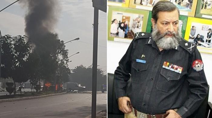 پشاور: خودکش حملے میں ایڈیشنل آئی جی محمد اشرف شہید