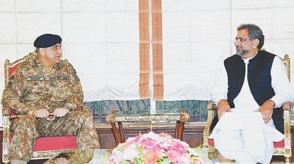 فیض آباد دھرنا: وزیراعظم اور آرمی چیف کا معاملہ افہام و تفہیم سے حل کرنے پر اتفاق