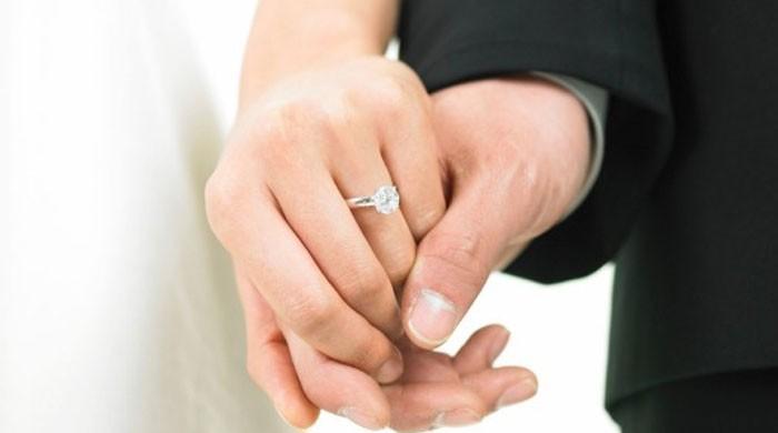 بھولنے کی بیماری سے بچنا چاہتے ہیں تو شادی کرلیں