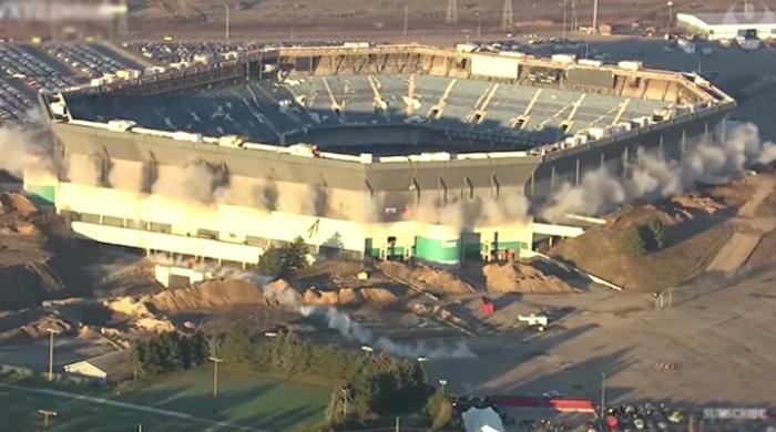 امریکا: پرانے فٹبال اسٹیڈیم کو گرانے کا مشن ناکام