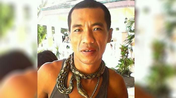 فلپائنی شخص خود کو کاٹنے والے ''پالتو کوبرا'' کا خون پی کر ہلاک