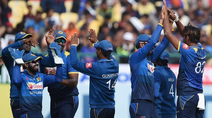 سری لنکا نے بھارت کو پہلے ون ڈے میں 7 وکٹوں سے شکست دیدی