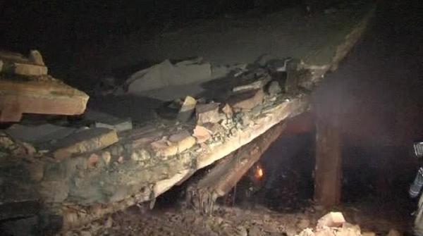 حیدرآباد: گتے کے گودام میں آتشزدگی سے ملحقہ مکان منہدم، بچی جاں بحق