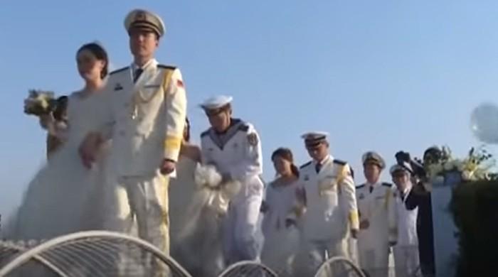 چینی بحریہ کے 36 جوانوں کی اجتماعی شادی
