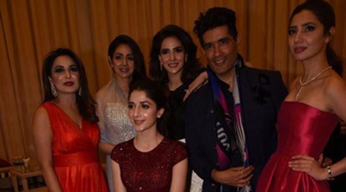 اداکارہ میرا کا ماہرہ خان کے ساتھ فوٹو سیشن