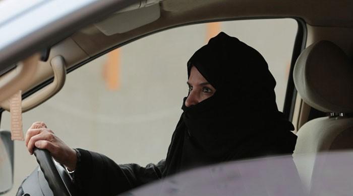 سعودی خواتین اب موٹرسائیکل اور ٹرکس بھی چلاسکیں گی