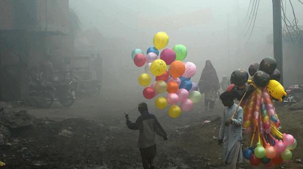 لاہور کی دُھند اور کینڈی کرش