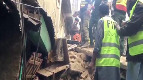 اندرون لاہور میں بوسیدہ مکان کی چھت گرنے سے 2 بچے جاں بحق