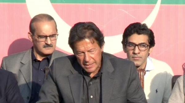 پارلیمنٹ پر لعنت کیلئے بڑا ہلکا لفظ استعمال کیا، عمران خان