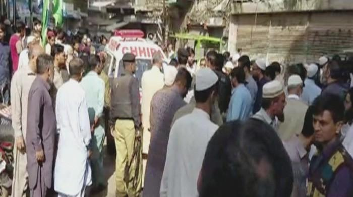 کراچی کے علاقے کھارادر میں دستی بم حملہ، 5 افراد زخمی