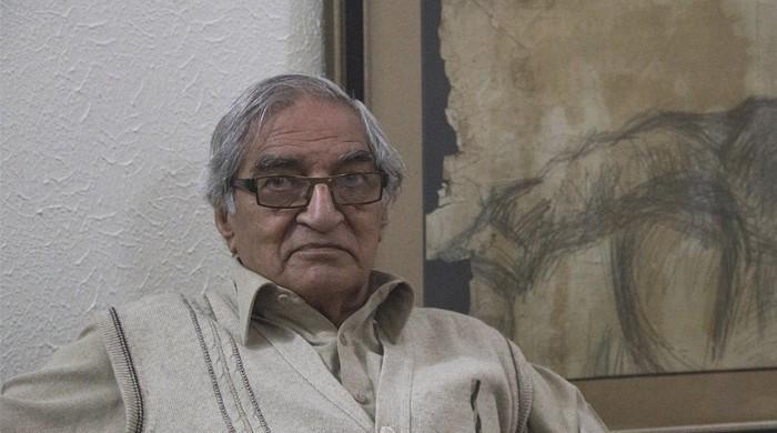 معروف کالم نگار اور مصنف منو بھائی انتقال کرگئے