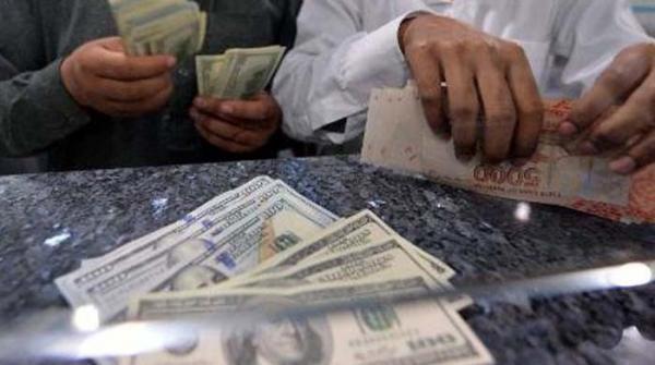 انٹربینک مارکیٹ میں روپے کے مقابلے میں ڈالر کی قیمت میں استحکام