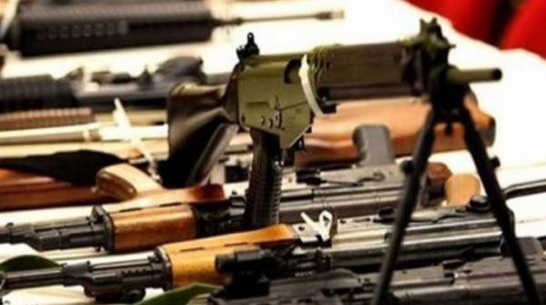 وفاقی حکومت نے ملک بھر میں ممنوعہ بور کے تمام اسلحہ لائسنس معطل کردیے