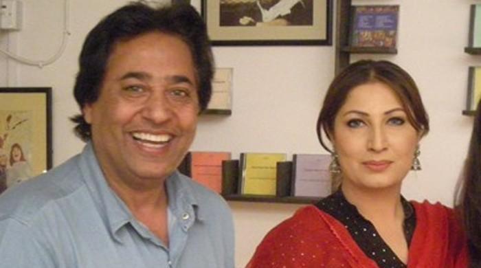 ہدایتکار سید نور نے اہلیہ صائمہ سے علیحدگی کی خبروں کی تردید کردی