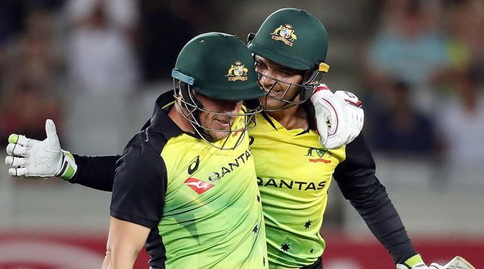 آسٹریلیا نے نیوزی لینڈ کو شکست دیکر ٹی ٹوئنٹی میں ہدف کے تعاقب کا عالمی ریکارڈ بنالیا