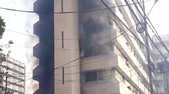 سندھ سیکریٹریٹ کی نئی عمارت میں آتشزدگی، ریکارڈ ضائع ہونے کا خدشہ