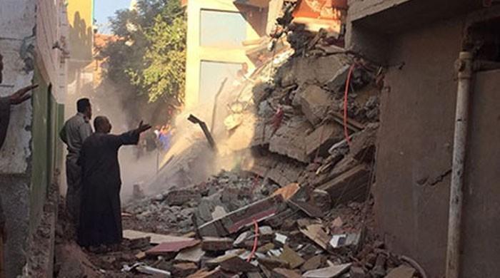 قاہرہ میں رہائشی عمارت منہدم، 10 افراد ہلاک ہوگئے