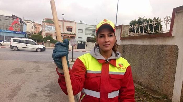 مراکش کی 25 سالہ خاتون خاکروب مقابلہ حسن جیتنے میں کامیاب