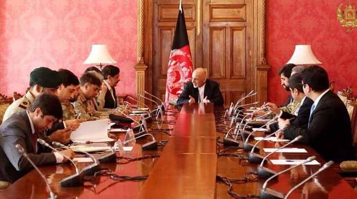 افغان صدر کی وزیراعظم شاہد خاقان کو دورہ افغانستان کی دعوت