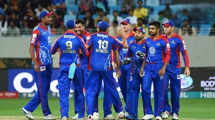 کراچی کنگز کی ٹیم اگلا میچ کھیلنے دبئی سے لاہور پہنچ گئی