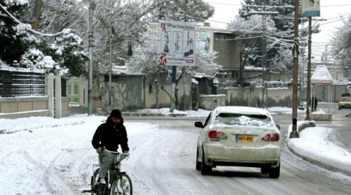 وادی زیارت میں 6 سال بعد موسم بہار کی پہلی برفباری