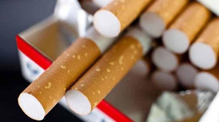 پاکستان میں سالانہ 80 ارب سگریٹ فروخت ہورہے ہیں: ایف بی آر ذرائع