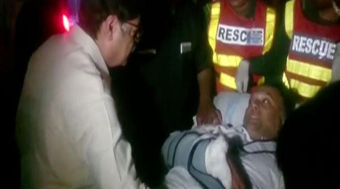 وزیر داخلہ احسن اقبال نارووال میں قاتلانہ حملے میں زخمی