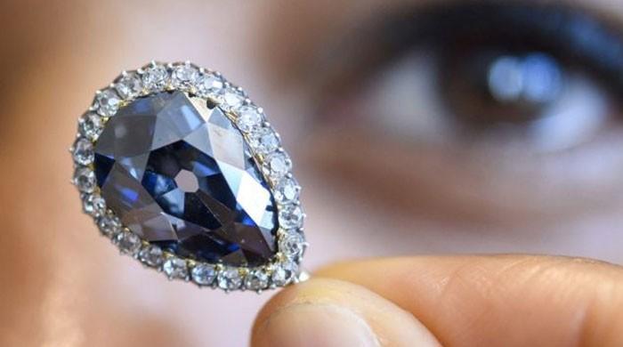 یورپی شاہی خاندانوں کی ملکیت رہنے والا 'نیلا ہیرا' 67 کروڑ روپے میں نیلام