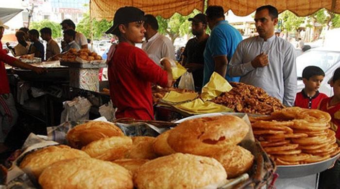 کراچی: رمضان سے قبل کھانے پینے کی اشیاء کی پرائس لسٹ جاری