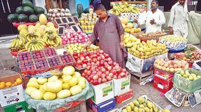 رمضان کی آمد: کراچی میں پھلوں کی قیمتوں میں من مانا اضافہ