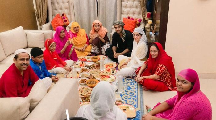 نومسلم بھارتی اداکارہ دپیکا ککڑ کی پہلے ماہِ رمضان کی تصاویر وائرل