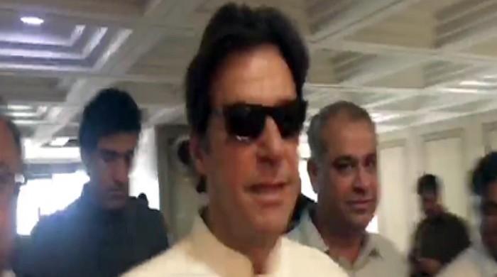 عمران خان کی کافی عرصے بعد پارلیمنٹ آمد، صحافی کے سوال پر دلچسپ جواب