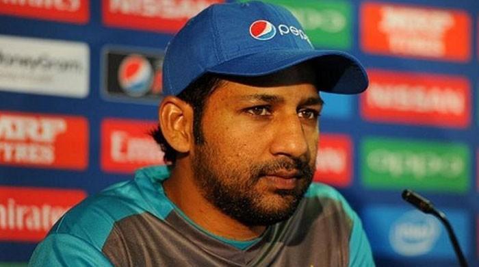 کپتان سرفراز احمد 2 ماہ سے تنخواہ سے محروم
