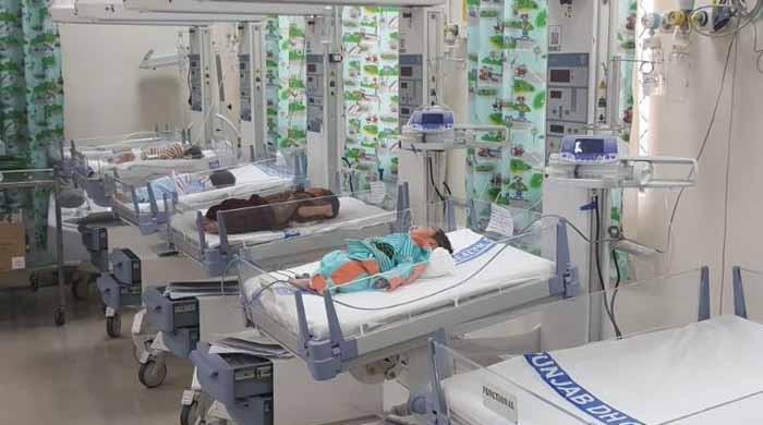 فیصل آباد: الائیڈ اسپتال میں بچوں کی فروخت کے کاروبار کا انکشاف، ملزمہ گرفتار