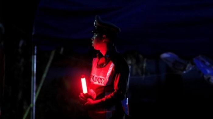 تھائی لینڈ کے غار میں پھنس جانے والی فٹبال ٹیم کی کہانی پر فلم بنانے کی تیاری